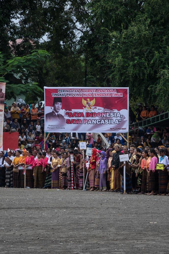 ende-soekarno-pancasila-indonesia-88