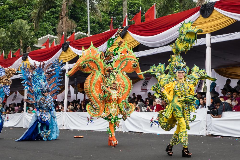 Seahorse dancers
