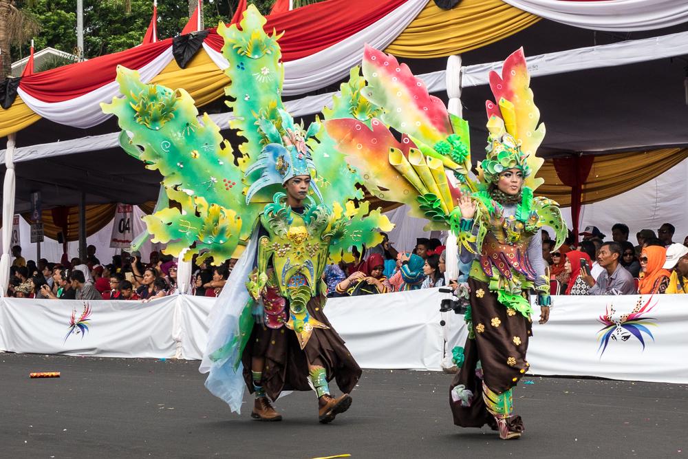 Coral dancers
