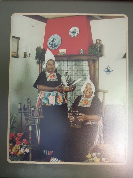 Indonesian women in Dutch national dress