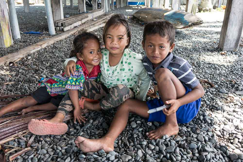 Kids in Ampana