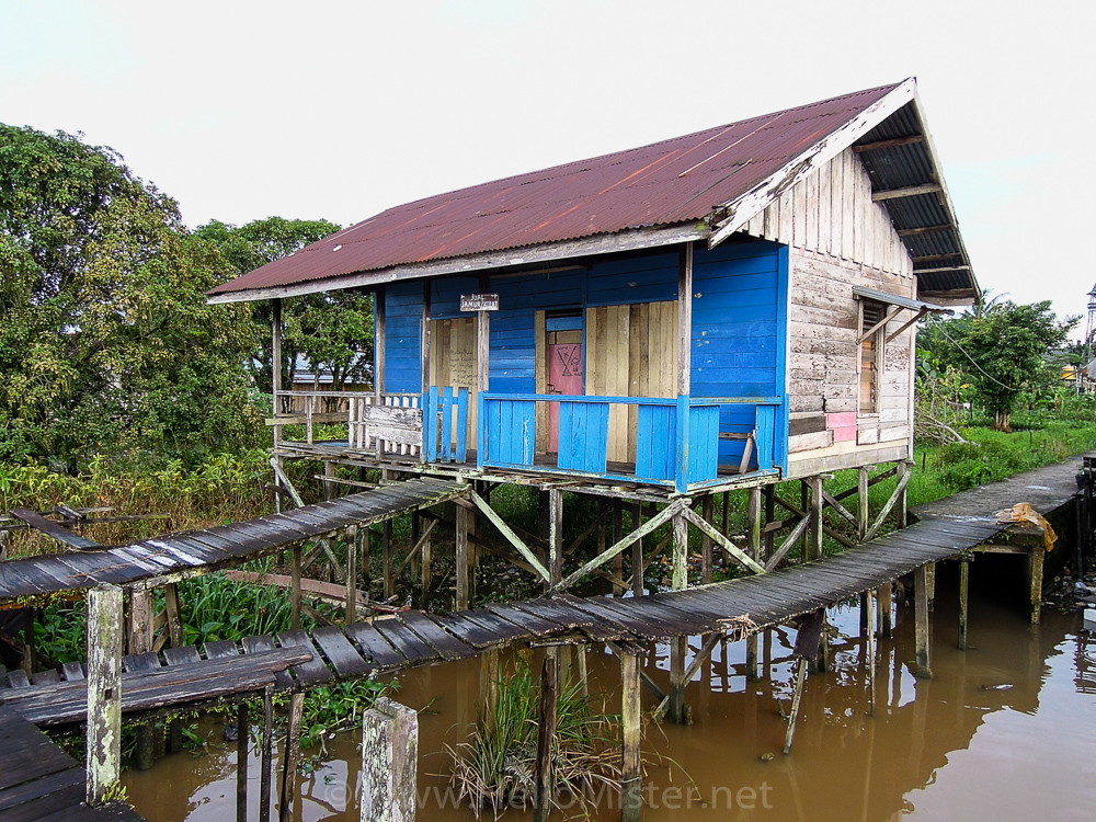 Stilt house in Kumai - see orangutan and meet dayak people in kalimantan