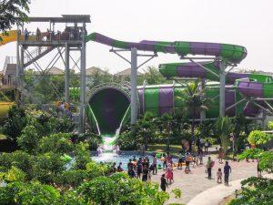 The main slide at Go Wet Waterpark Grand Wisata Bekasi