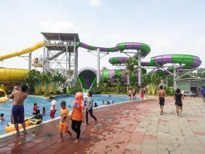 The monster slide at Go Wet Waterpark Grand Wisata Bekasi