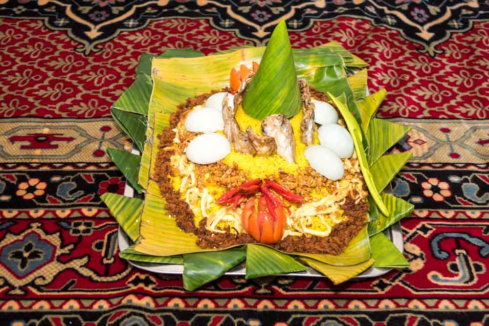 Tumpeng to celebrate moving house - New baby, New house and Javanese House Moving Ceremony