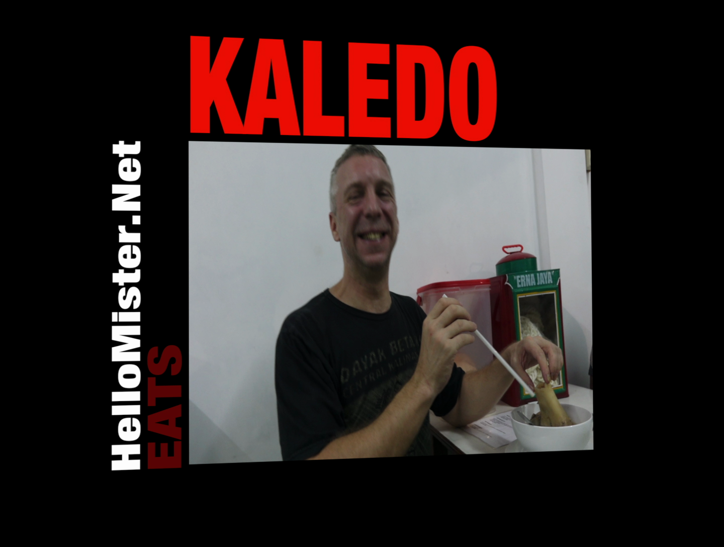 HelloMisterNet eats Kaledo - HelloMisterNet tries a cow bone called Kaledo