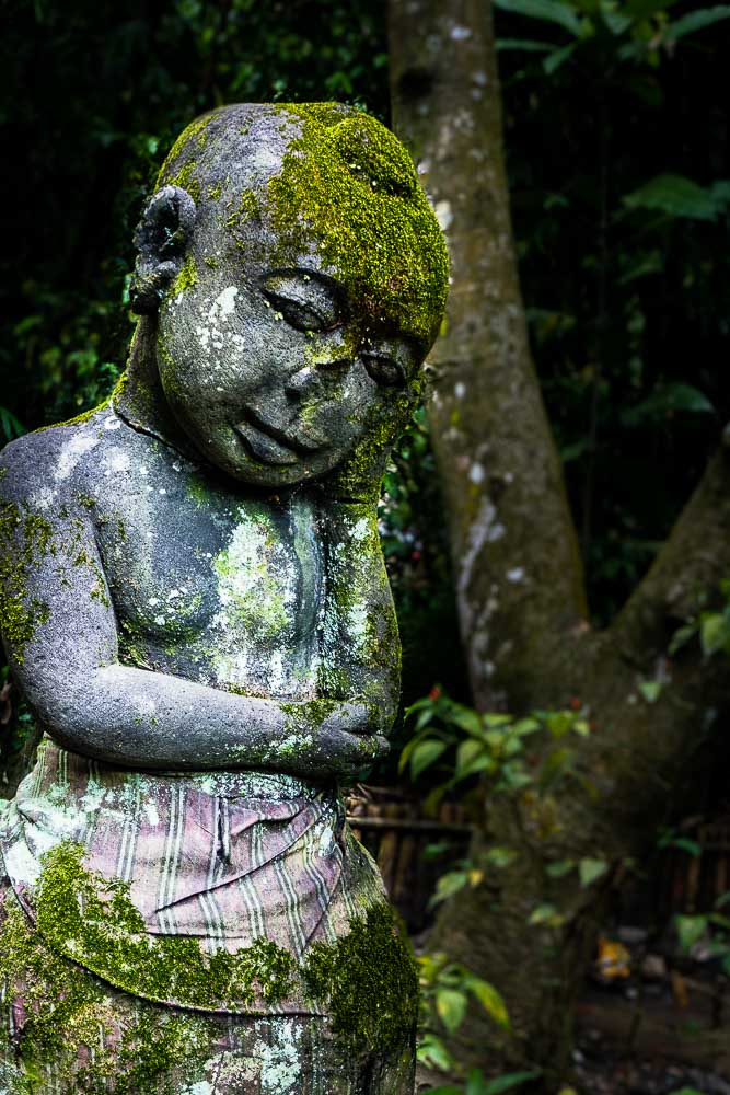 Sunda statue - visit Gunung Pancar Hot Springs