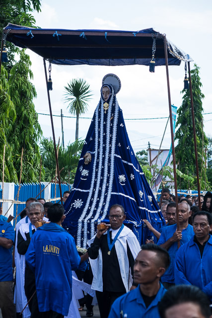 Statue of Mary is carried on the shoulders - Holy Week procession in Larantuka