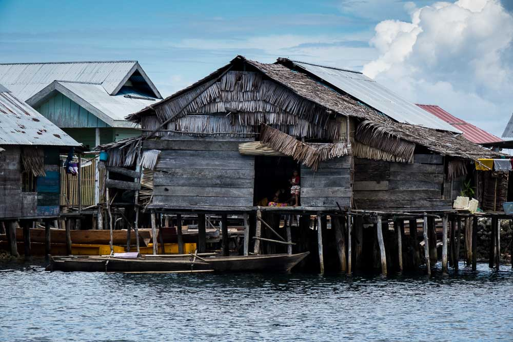 Bajo village house - Island Hopping and Scuba Diving in Togean