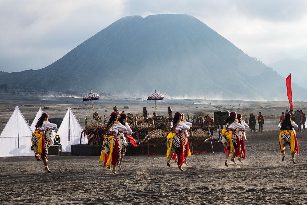 Horse riders - Yadnya-Kasada