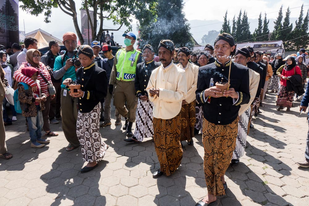 The parade passes by - Dieng Culture Festival