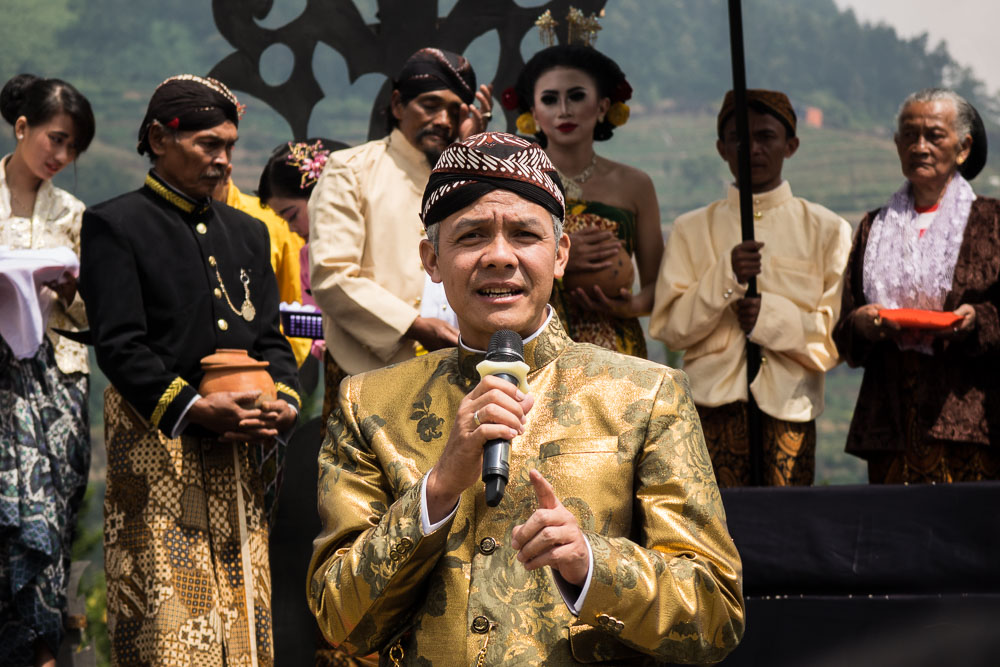 Governor of Java Tenggah makes a speech - Dieng Culture Festival