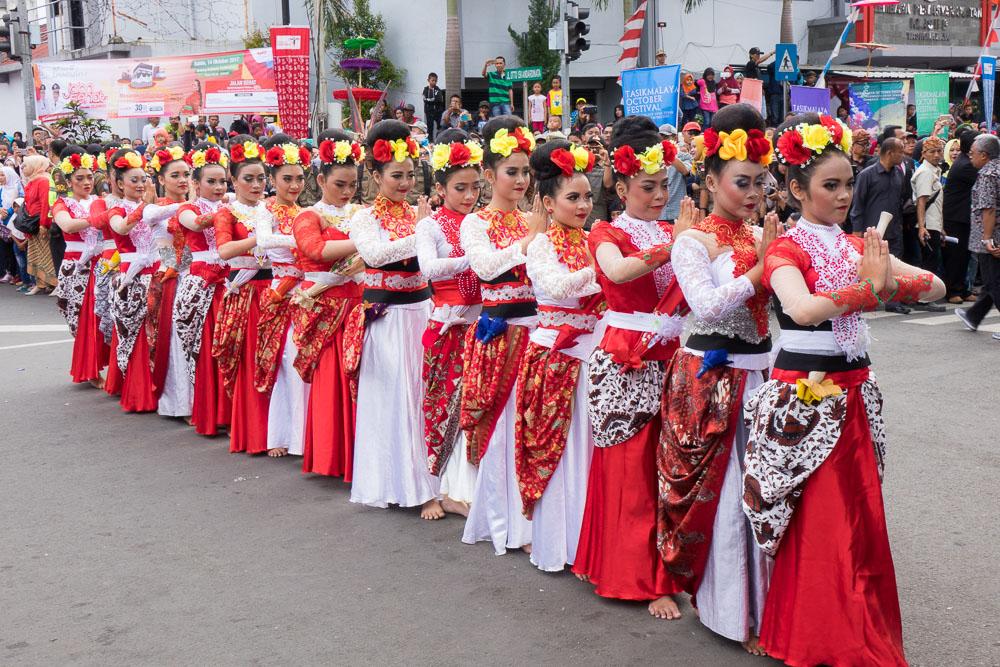 Dancing in the streets - Tasikmalaya October Festival