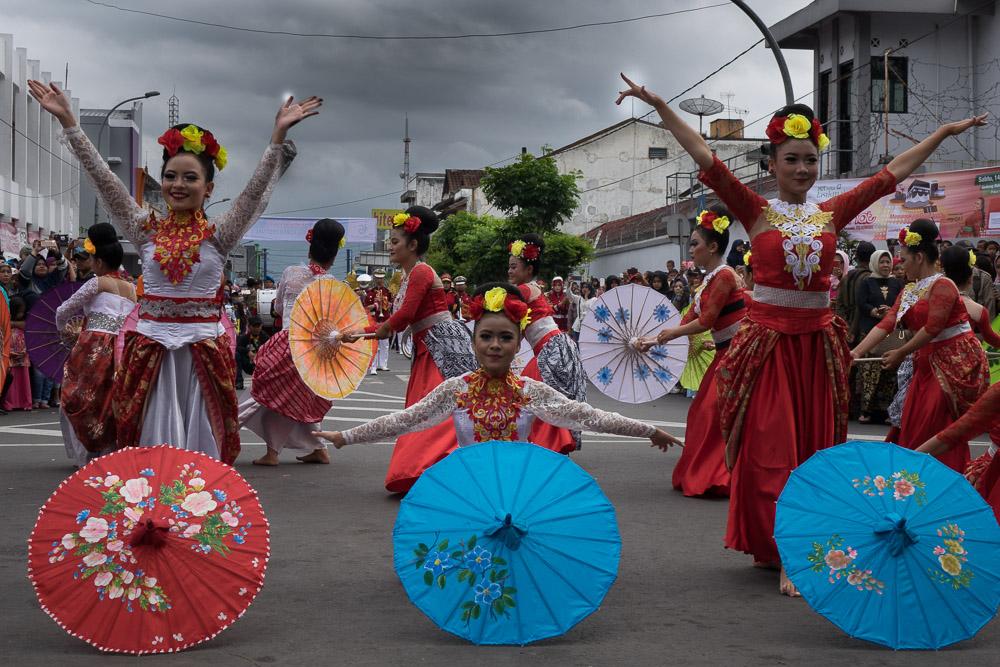 Umbrella dance - Tasikmalaya October Festival