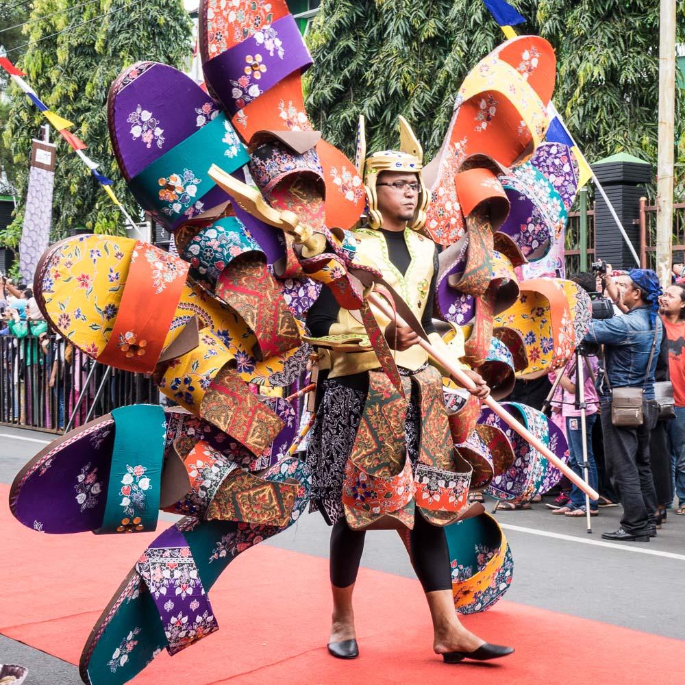 Dramatic shoe costume - Tasikmalaya October Festival
