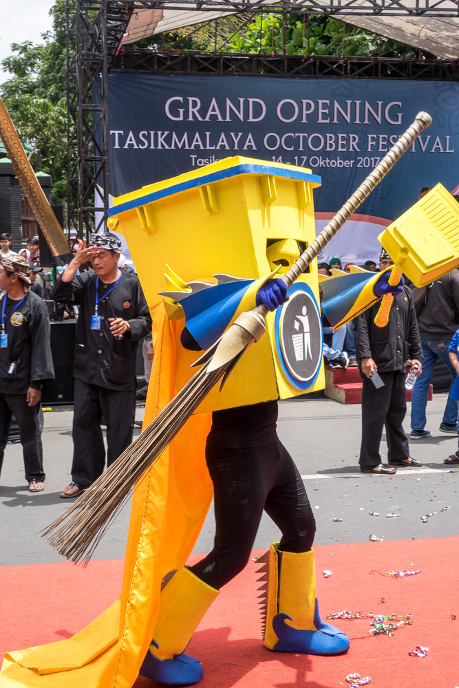 Trash theme costume - Tasikmalaya October Festival
